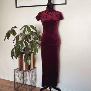 Vintage Possessed 🌹 velvet long burgundy dress
